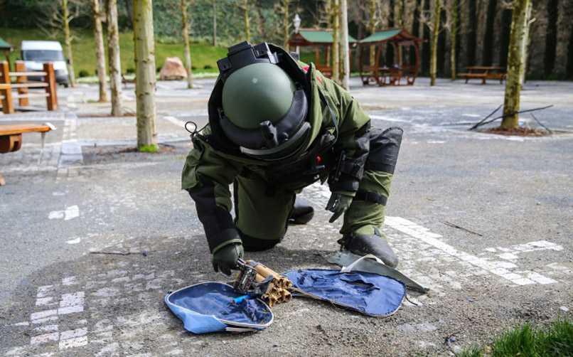 bomba imha polisi